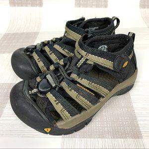 Keen Newport Weatherproof Sandals Olive Sz 10